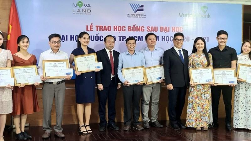 Novaland trao tặng 31 học bổng cho học viên, nghiên cứu sinh Đại học Quốc gia TP. Hồ Chí Minh