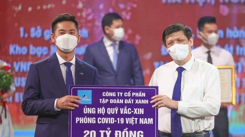 Tập đoàn Đất Xanh ủng hộ 27 tỷ đồng cho Quỹ vắc xin phòng chống Covid-19 và các địa phương