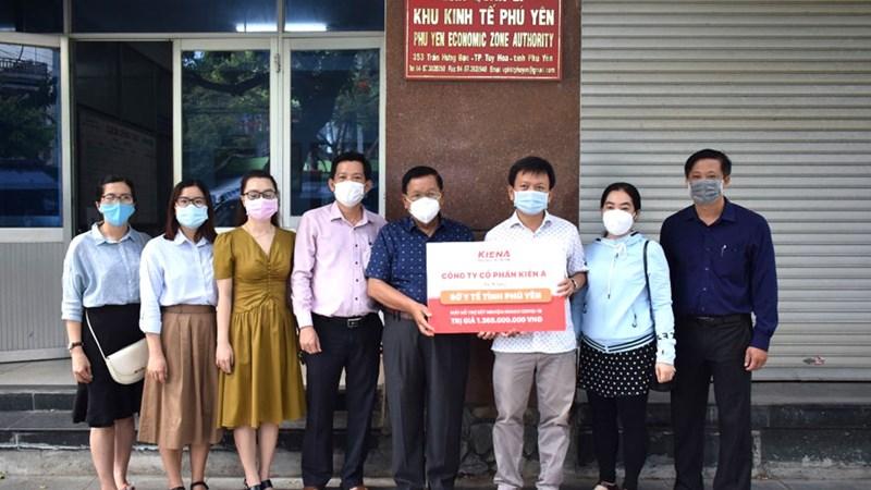 Kiến Á trao tặng tỉnh Phú Yên máy hỗ trợ xét nghiệm nhanh Covid-19
