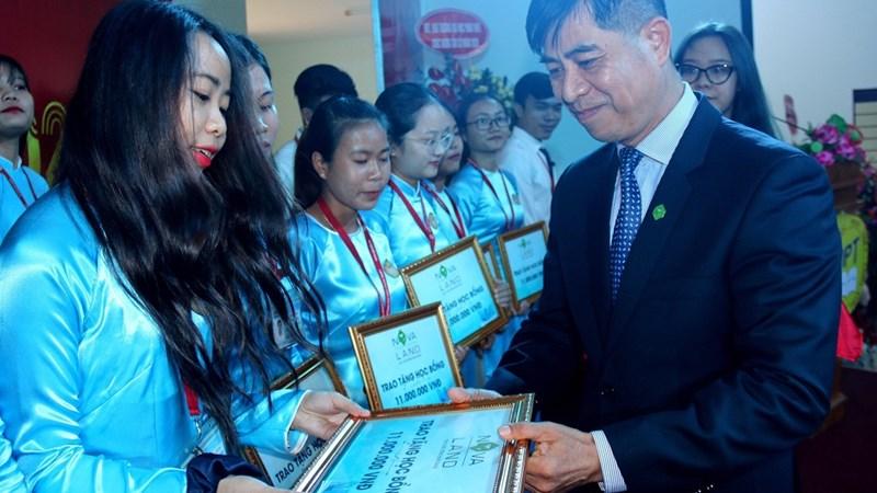 Tập đoàn Novaland đồng hành cùng giáo dục và đào tạo nguồn nhân lực tỉnh Bình Thuận