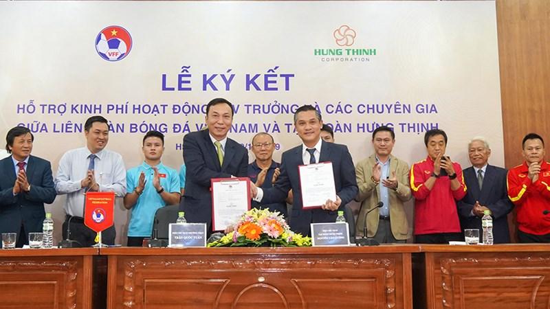 Tập đoàn Hưng Thịnh trở thành nhà tài trợ trả lương cho HLV Park Hang-seo