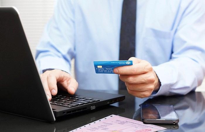 Chủ thẻ Viet Capital Visa được tặng 300.000 đồng khi đăng ký dịch vụ thanh toán hóa đơn