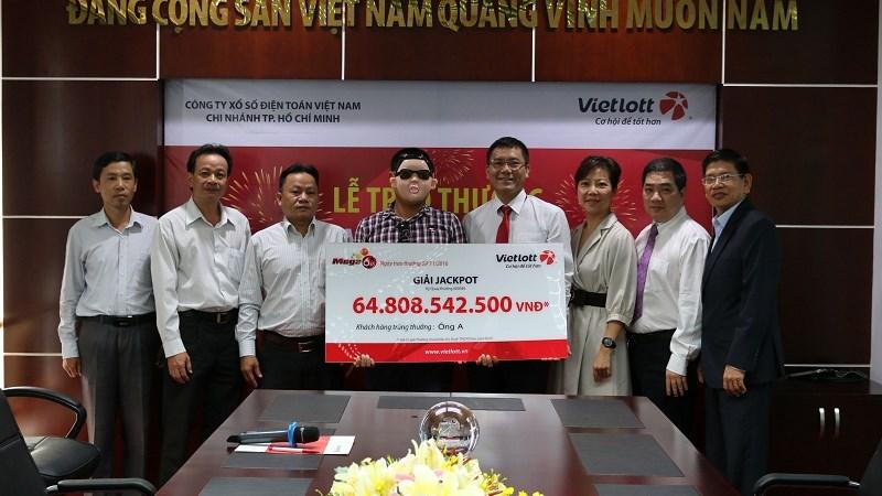 Vietlott trao giải Jackpot gần 65 tỷ đồng cho khách hàng đến từ tỉnh Đồng Nai