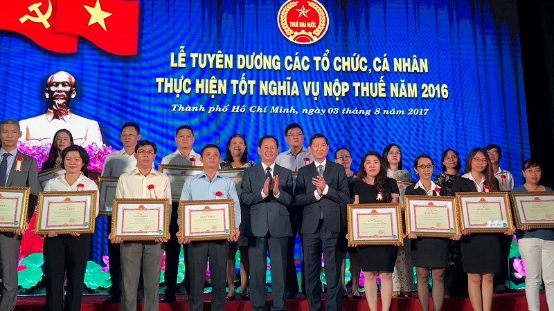 TP. Hồ Chí Minh tuyên dương gần 1.400 người nộp thuế tốt năm 2016