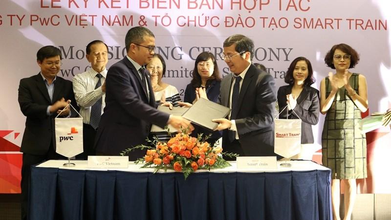 Smart Train ký và PwC Việt Nam hợp tác đào tạo áp dụng IFRS