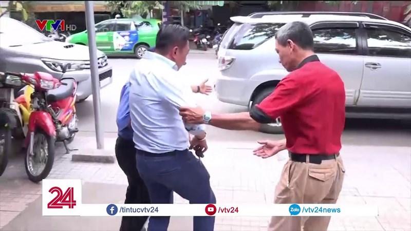 [Video] Nở rộ dịch vụ đưa người say về nhà