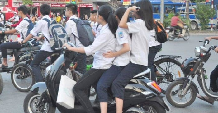 [Vdieo] Nỗi lo tai nạn giao thông từ xe gắn máy dưới 50cc