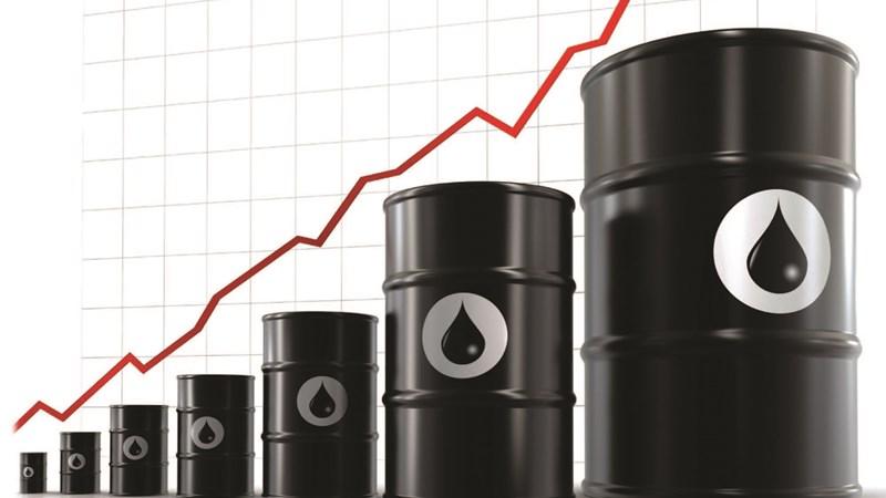 Giá dầu tăng 3 phiên liên tục, chốt tuần đầu năm tăng mạnh