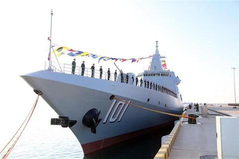 [Video] Chiến hạm mạnh nhất Trung Quốc khoe hỏa lực