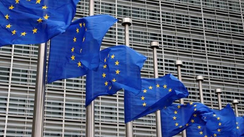 """Kinh tế khu vực đồng tiền chung châu Âu bên """"vực"""" suy thoái?"""