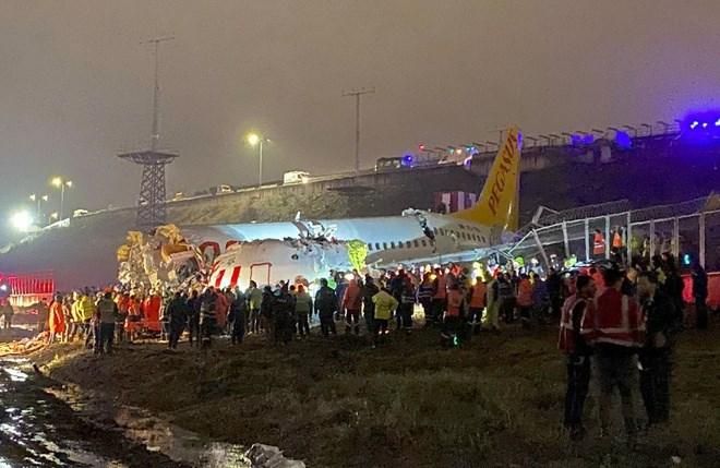 [Video] Nguyên nhân máy bay Thổ Nhĩ Kỳ vỡ nát