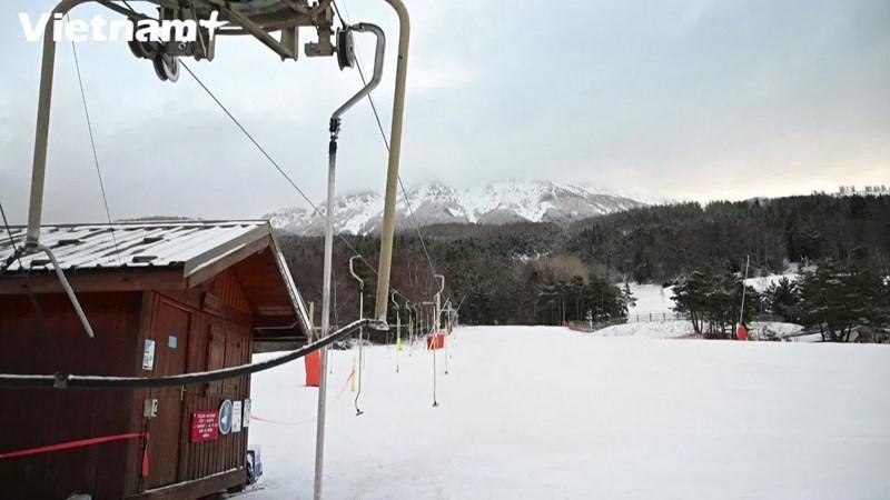 [Video] Khu trượt tuyết ở Pháp đối mặt với nguy cơ thiếu tuyết tự nhiên