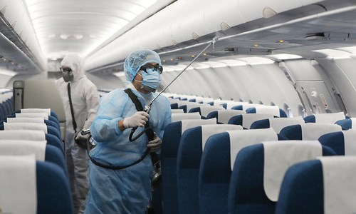 [Video] 9 cách tránh lây nhiễm nCoV trên máy bay