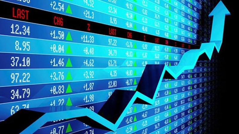 Phiên sáng 13/3: Dòng tiền chảy mạnh vào nhóm ngân hàng