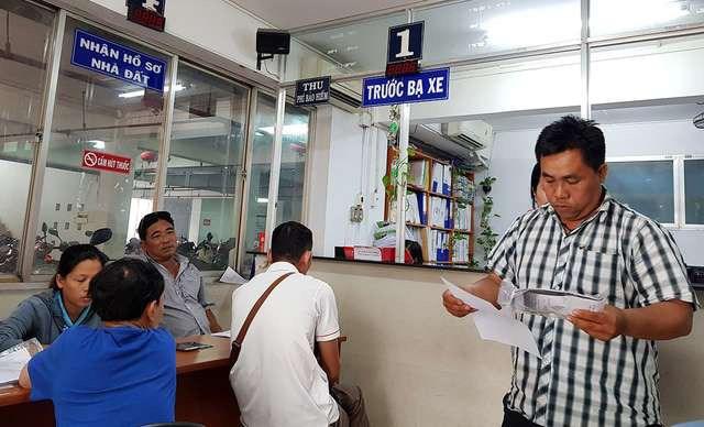 [Video] Thí điểm nộp lệ phí trước bạ điện tử ôtô, xe máy tại Hà Nội và TP. Hồ Chí Minh