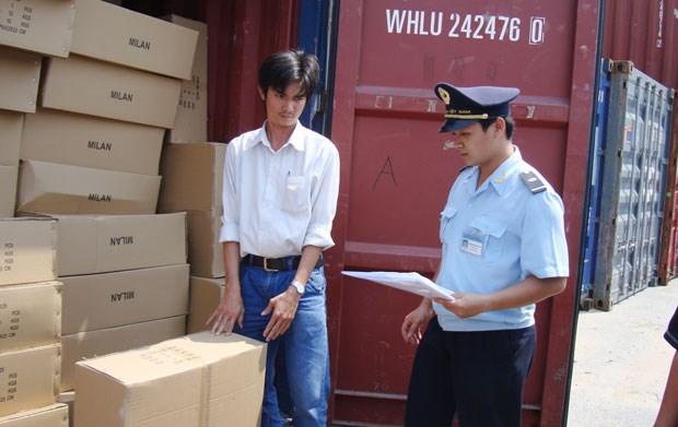 Tổng cục Hải quan giải đáp vướng mắc của doanh nghiệp về giám định mẫu hàng hóa