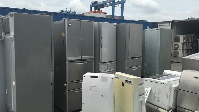 [Video] Container chứa hơn 300 thiết bị điện tử cũ