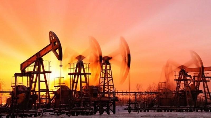 Giữ đà tăng, giá dầu lập đỉnh mới của 5 tháng