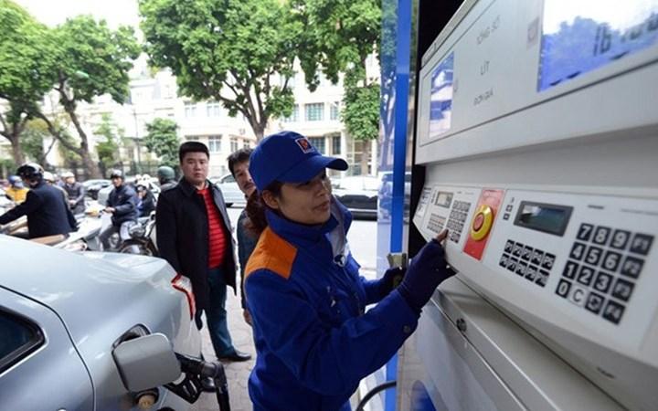 Giá xăng tăng mạnh: Bộ chia sẻ khó khăn với người dân, doanh nghiệp