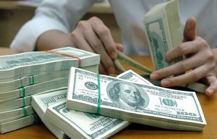 """Ngân hàng Nhà nước tạm """"nới tay"""", tỷ giá USD/VND nhấp nhổm"""