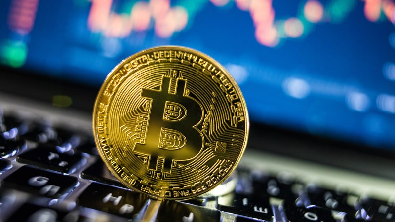Giá Bitcoin tăng 1.000 USD trong hai ngày cuối tuần
