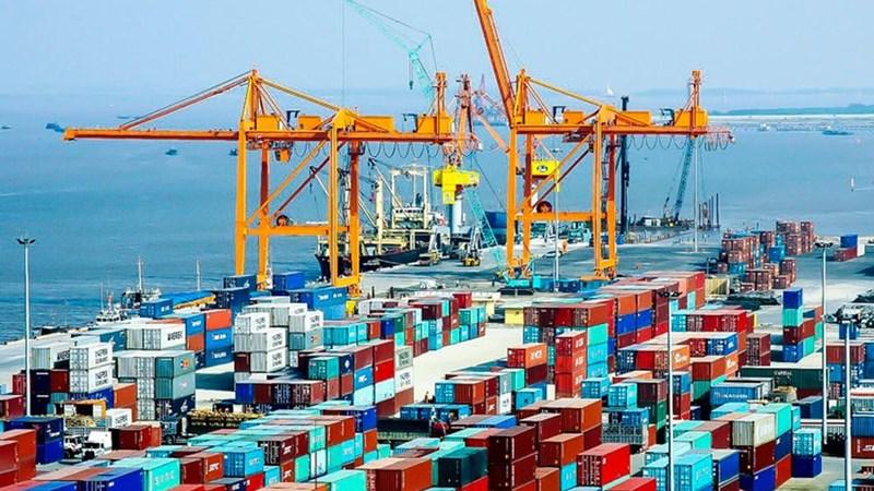 Đề xuất tăng mức phạt hành vi không công khai giá dịch vụ tại cảng biển