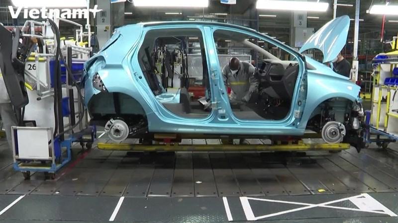 [Video] Ngành công nghiệp xe hơi Pháp bắt đầu có dấu hiệu phục hồi