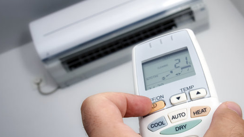 [Infographics] 5 mẹo dùng điều hòa tiết kiệm điện, an toàn mùa nóng
