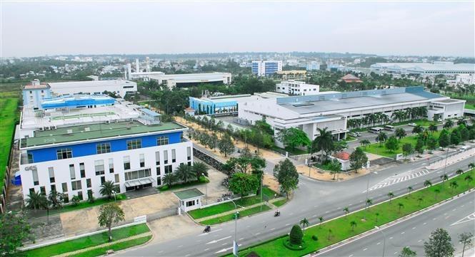 Chính sách tài chính đất đai thu hút FDI phát triển khu kinh tế tổng hợp