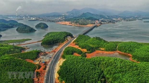 [Video] Nâng tốc độ cao tốc Hạ Long-Vân Đồn lên 100km mỗi giờ