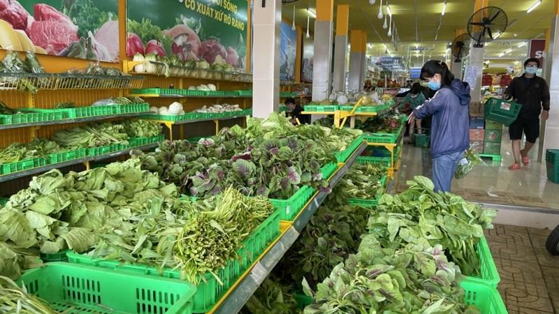 Giá thực phẩm ngày 12/7: Rau xanh tăng, đảm bảo nguồn cung hàng hóa