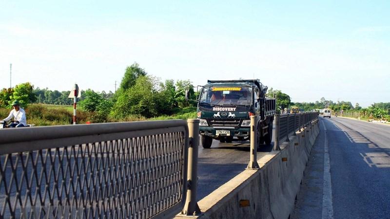 [Video] Tiềm ẩn nguy cơ mất an toàn giao thông trên tuyến Quốc lộ 1A