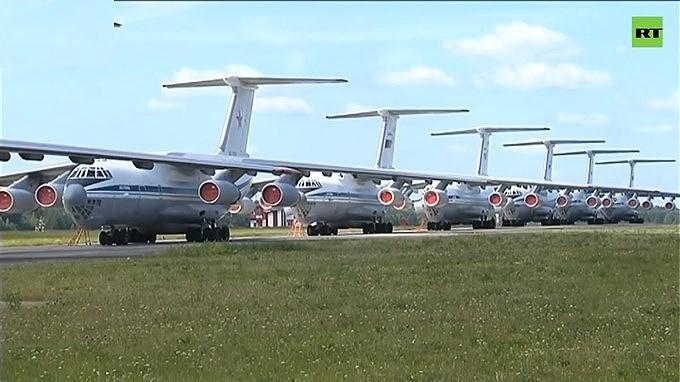 [Video] Nga điều hàng loạt máy bay vận tải quân sự tham gia chữa cháy rừng