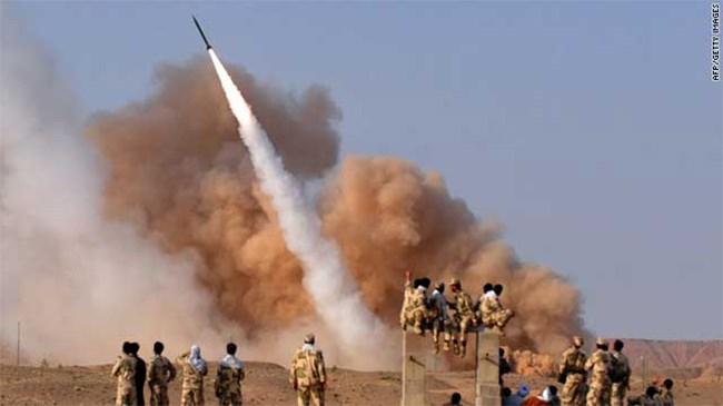 [Video] Iran tung hình ảnh hệ thống tên lửa tự chế sánh ngang Nga, Mỹ