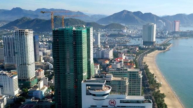 [Video] Condotel cao tầng chen chúc ven biển Nha Trang