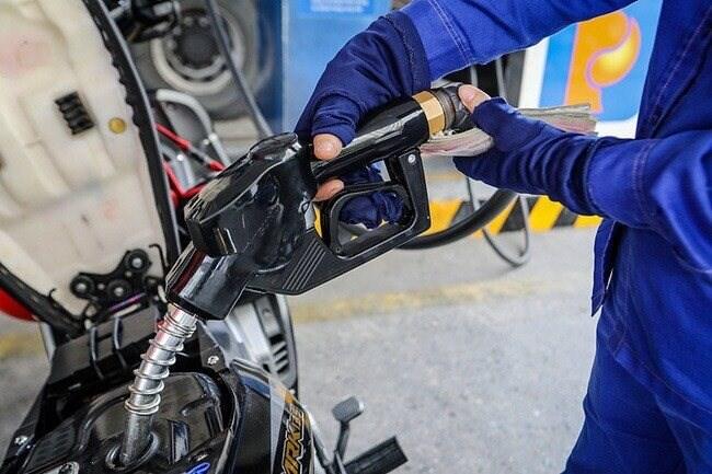 Giá xăng dầu còn tiếp tục giảm