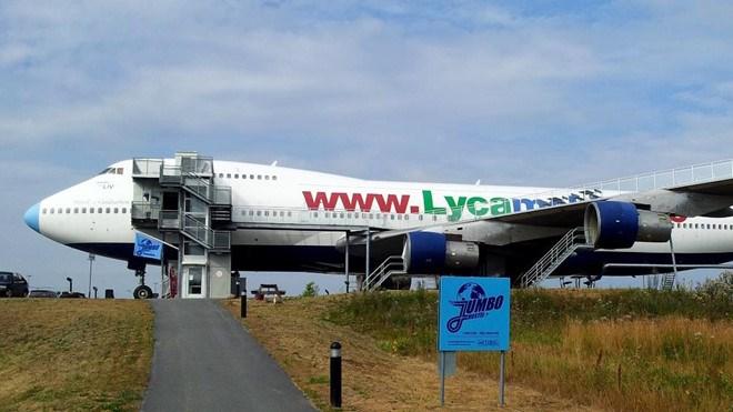[Video] Khoang máy bay Boeing 747 biến thành nhà nghỉ