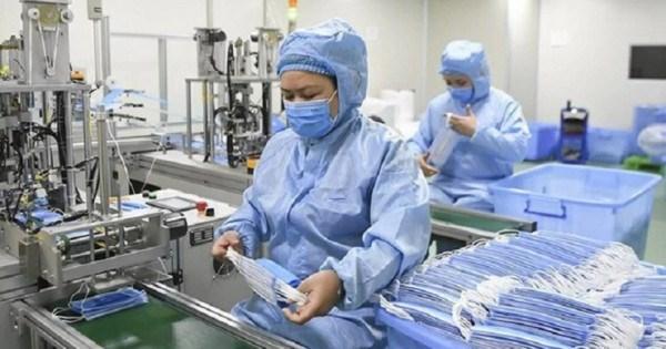 Xuất khẩu 135 triệu chiếc khẩu trang y tế trong tháng 8