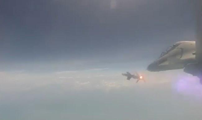 [Video] Ấn độ phóng thành công tên lửa không đối không tự sản xuất từ Su-30MKI