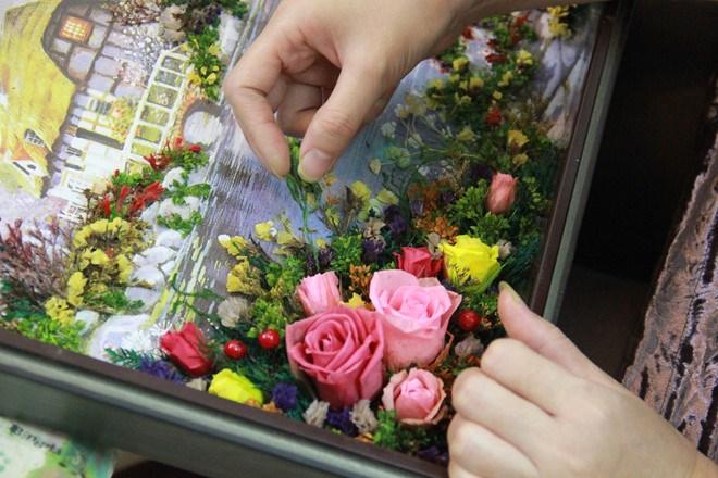 [Video] Tranh 3D ghép từ hoa tươi
