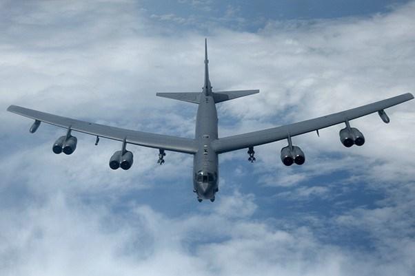"""[Video] Bên trong buồng lái """"pháo đài bay"""" B-52H Mỹ diễn tập cảnh báo hạt nhân"""