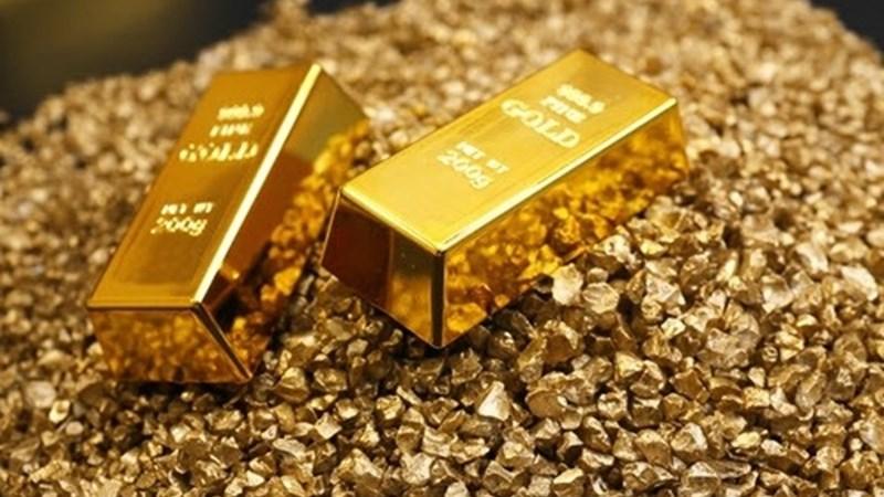 Triển vọng kinh tế thế giới xấu đi tiếp tục đẩy giá vàng lên cao