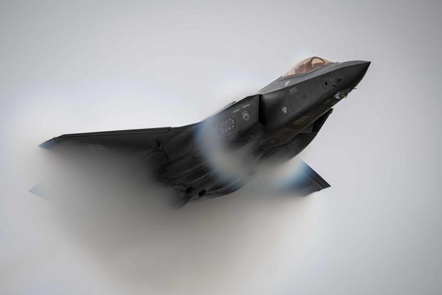[Ảnh] Tiêm kích F-35 bắn nhầm UAV tàng hình đắt tiền XQ-58A Valkyrie khi luyện tập?