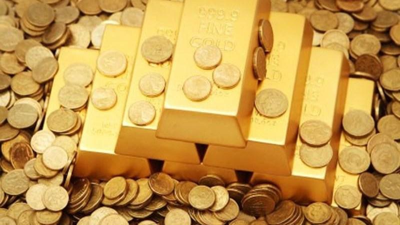 Giá vàng giảm nhẹ phiên đầu tuần nhưng vẫn trụ ở mức cao