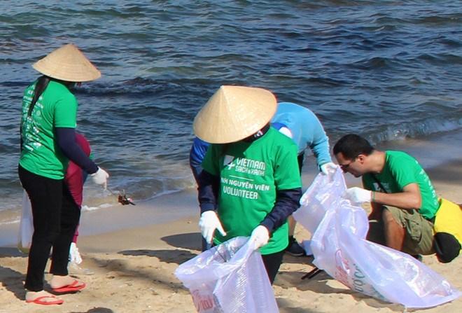 [Infographics] Việt Nam phấn đấu đến năm 2030 giảm thiểu 75% rác thải nhựa đại dương
