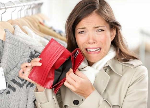 8 cách chi tiêu sai lầm khiến bạn đã nghèo càng nghèo thêm