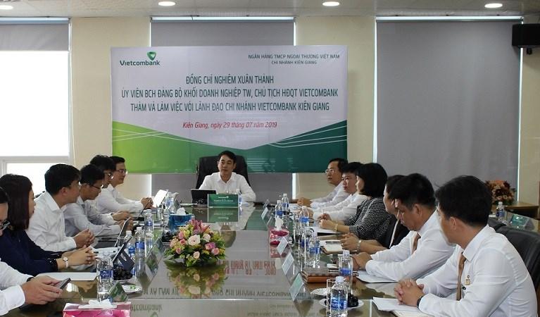 Vietcombank tham gia nhiều hoạt động thiết thực, ý nghĩa tại Kiên Giang và Bến Tre