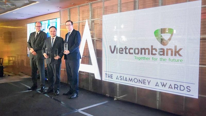 Vietcombank nhận 03 giải thưởng của Asiamoney