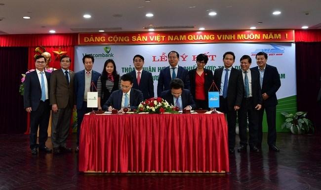 Vietcombank và Tổng Công ty Đường sắt Việt Nam ký kết hợp tác toàn diện