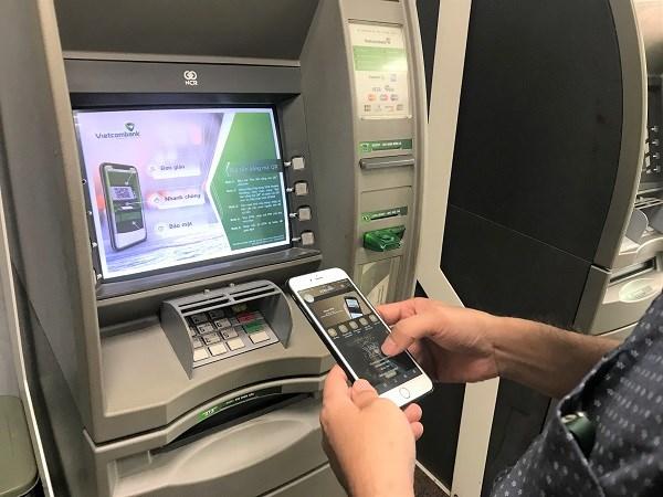 Rút tiền bằng mã QR trên ATM - Dịch vụ gia tăng trong chiến lược số hóa của Vietcombank